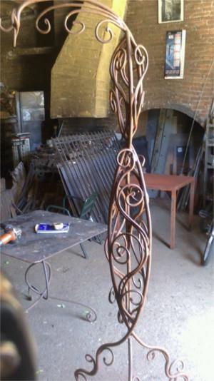escultura de hierro