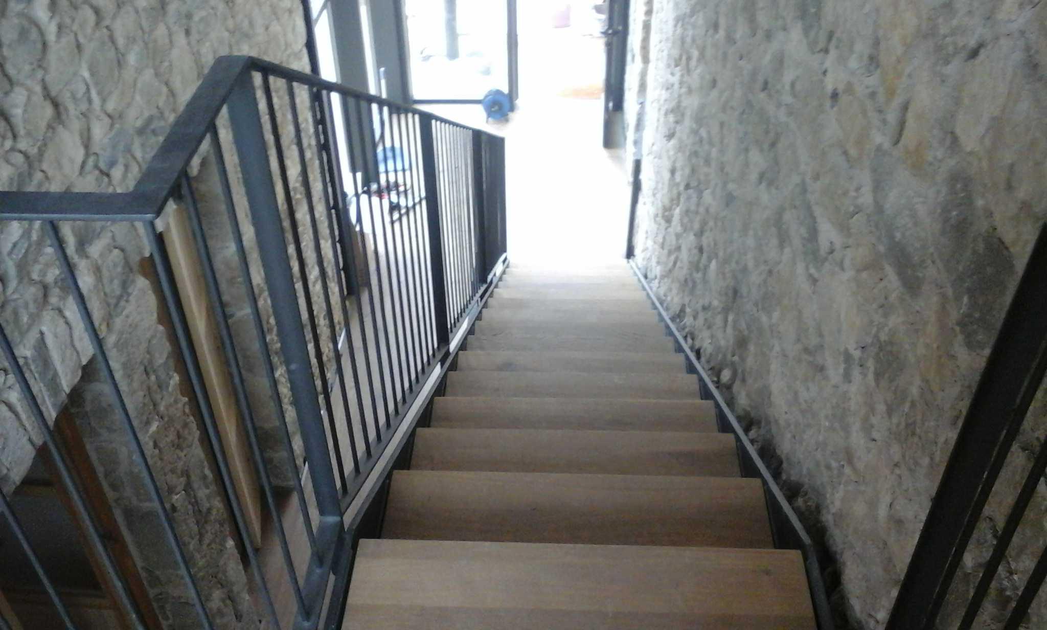 Escalera obra lluena